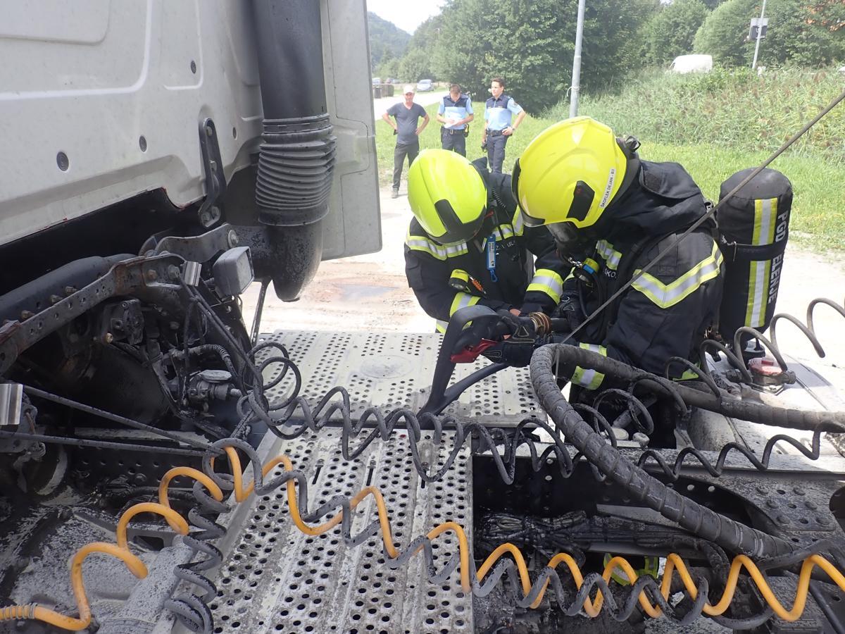 234/21 Požar tovornega vozila